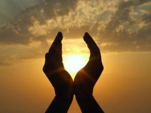 Willkommen in deinem Körper! Vom Fallenlassen, Hingeben und Heil-Werden…